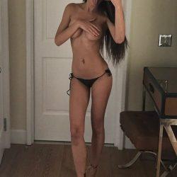 Taze bir yüz ve çok güzel olan Rus escort Adriana